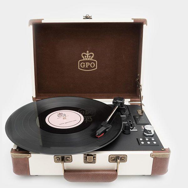 GPO Ambassador Vinyl Player crea (2)